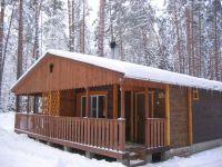 Расположение:база отдыха расположена в 115 км по Киевскому шоссе южнее Санкт-Петербурга, под Лугой...